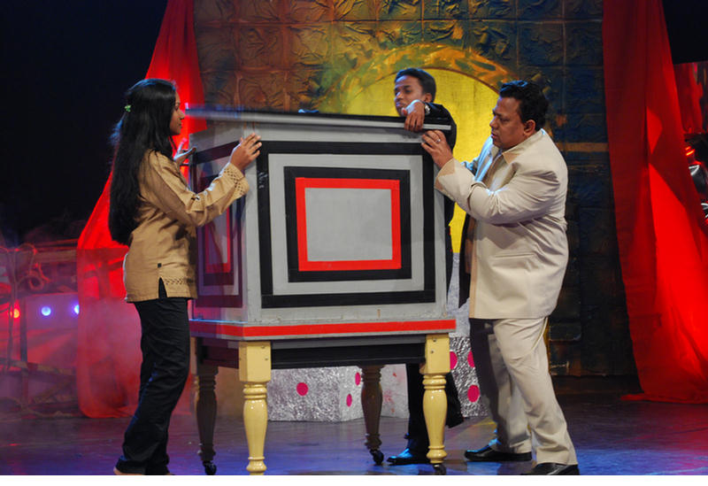 You are browsing images from the article: ATN TV Show 2008